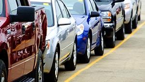 Cómo hacer una carta de venta de automóviles